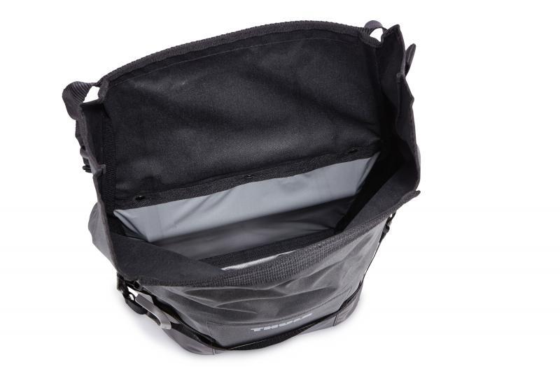 thule adventure fahrrad packtasche small schwarz online. Black Bedroom Furniture Sets. Home Design Ideas