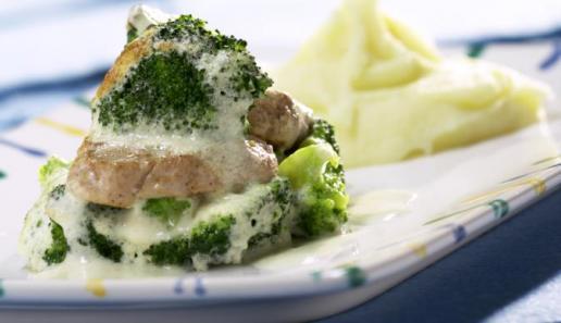 Schweinefilet mit Broccolihaube