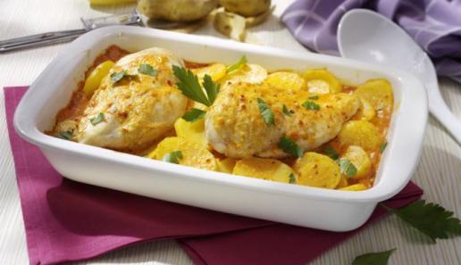 Paprika-Sahne Hähnchen im Kartoffelbett