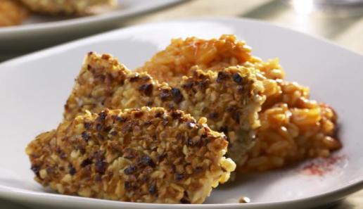 Nussige Nuggets mit Paprikasahne-Reis