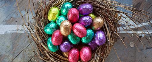 Eierfarben und Osternester