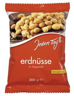 Jeden Tag Erdnüsse im Teigmantel knusprig