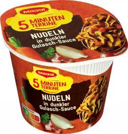 Maggi 5 Minuten Terrine Nudeln in dunkler Gulasch-Sauce