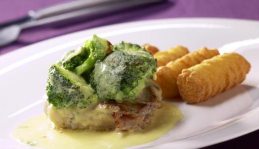 Gratiniertes Schweinefilet  mit Broccoli