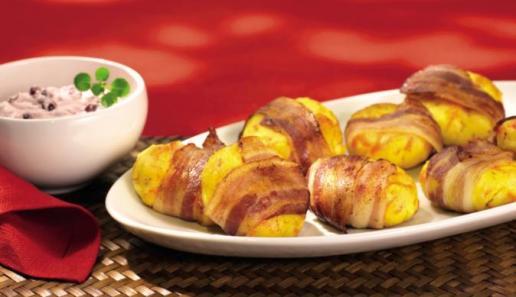 Herzhafte Kartoffel-Taler mit Preiselbeerdip