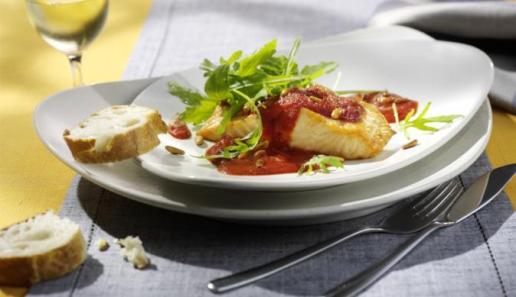 Lachs mit Tomaten-Rucola-Sauce
