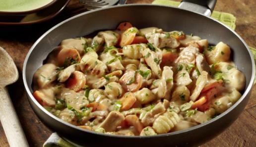 Gnocchi-Puten-Pfanne mit Möhren